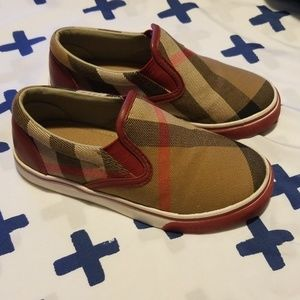Little kid Burberry slip on shoes